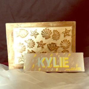 💄 KYLIE PRESSED POWDER HIGHLIGHTER 💄 BRAND NEW